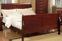 King size sleigh bed in El Paso, Texas