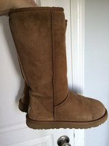 Ugg & Bearpaws, sz. 7 1/2-8 1/2 in Camp Lejeune, North Carolina