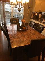 beautiful marble kitchen table in Bolingbrook, Illinois