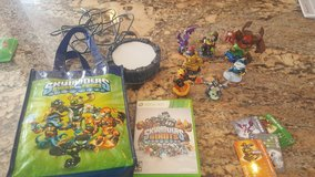 Skylanders giants portal with game and 7 figureso for xbox 360 in Montgomery, Alabama