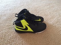 Nike basketball shoes size 3 in Fort Rucker, Alabama