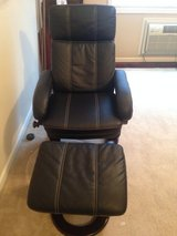 RECLINER WITH FOOT REST in Fort Bragg, North Carolina