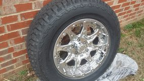 """HANKOOK 17"""" TIRES & CHROME RIMS in Fort Campbell, Kentucky"""
