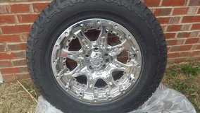 """LIKE NEW....17"""" HANKOOK TIRES & CHROME RIMS in Fort Campbell, Kentucky"""