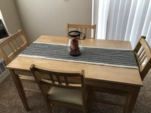 Dinning room table and chairs in bookoo, US