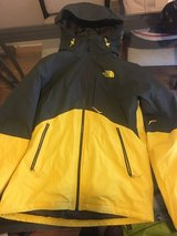 Men's North face jacket in Vacaville, California