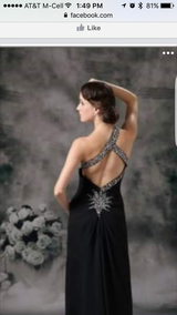 Beautiful Black Gown. Worn One Time. Orig cost $300 in Pasadena, Texas