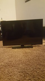 "32"" TV in Yucca Valley, California"