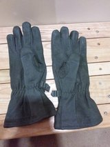 New Gore-Tex extra large gloves in Okinawa, Japan