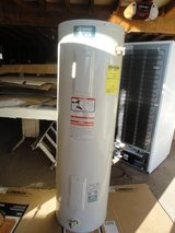 RELIANCE 606 ELECTRIC WATER HEATER in 29 Palms, California