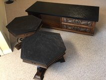 vintage coffee table and end tables in Fort Campbell, Kentucky