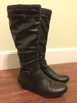 Women's bass boots size 6.5 in Fort Leonard Wood, Missouri