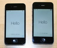 2 Apple iPhone 4s A1387 Verizon Smartphone FOR PARTS in Batavia, Illinois