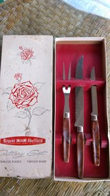 Vintage cutlery set in Warner Robins, Georgia