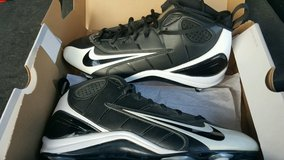 NEW AIR FORCE 1 MEN'S CLEATS in Lake Elsinore, California