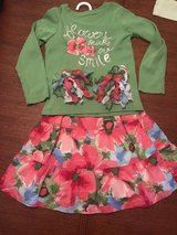 Girls Gymboree size 5 skirt and shirt outfit with matching hair accessories in Perry, Georgia