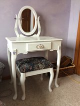 Small dressing table in Naperville, Illinois