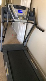 Golds gym treadmill in Hinesville, Georgia