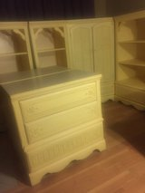 Vintage 6 Piece Bedroom Furniture in St. Charles, Illinois