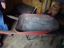 Wheelbarrow in Glendale Heights, Illinois