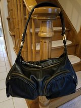Black leather purse in Glendale Heights, Illinois