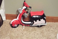 Mattel Monster High Motor Cycle Gholia Yelps Scooter in Oswego, Illinois