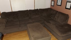 Large (Simmons Furniture) PIT  Well Made Like New Condition w/Storage Unit Foot Rest in Lockport, Illinois