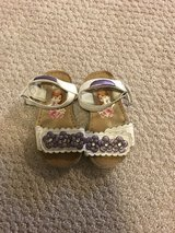 Size 6 Sofia the first sandal/shoe in Glendale Heights, Illinois
