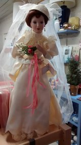 Betty - 1930's Wedding Gown Doll in Glendale Heights, Illinois