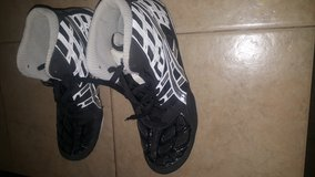 Mens 10.5 wrestling shoes in Fort Irwin, California