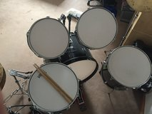 Drum Set w/DW 5000 double bass drum pedal in Ramstein, Germany
