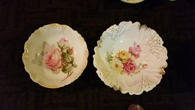 Vintage upcycled serving plates/center pieces in Bolingbrook, Illinois