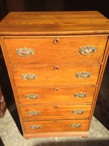 Oak 5 Drawer Chest in Camp Lejeune, North Carolina