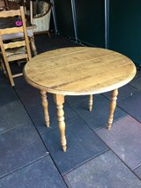 Nixe antique table to pull out in Ramstein, Germany