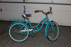 SCHWINN CRUISER BIKE in DeKalb, Illinois
