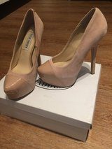 Steve Madden Nude High Heels in Ramstein, Germany
