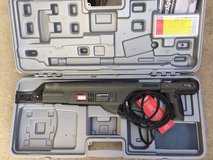 Flooring/deck collated screw gun, Senco DS300, includes case, like new in Byron, Georgia