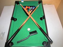 small pool table. Use at parties maybe 2 dollars a game  lolo in Warner Robins, Georgia