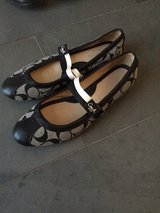 Coach Flats Size 8 in Ramstein, Germany