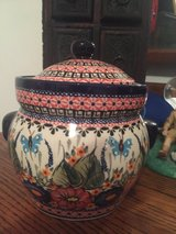 Polish Pottery Container with Lid in Wiesbaden, GE
