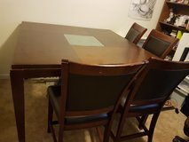 Hight heavy Brown Solid wood dinning table with 4 chairs in Fort Polk, Louisiana
