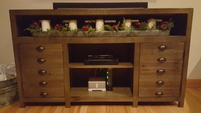 60 inch console table or TV console in Glendale Heights, Illinois