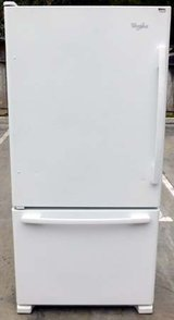 22 CU. FT. WHIRLPOOL GOLD REFRIGERATOR WITH BOTTOM FREEZER (FINANCING) in Camp Pendleton, California