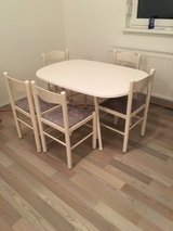 Table w 6 Chairs in Ramstein, Germany