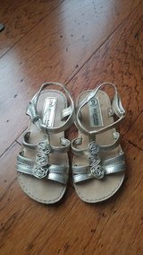 Girls Gold Sandals, Size 9 in Fort Campbell, Kentucky