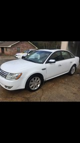 2008 Limited Ford Taurus Loaded in Fort Polk, Louisiana