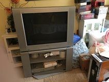 "FREE 32"" Sony Wega flat screen TV with rotating stand in Chicago, Illinois"