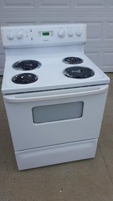White / Electric Stove in Fort Campbell, Kentucky
