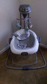 Graco DuetConnect LX Swing and Bouncer, in Hinesville, Georgia