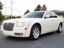 2006 CHRYSLER 300 TOURING LOADED LOW MILES in Chicago, Illinois